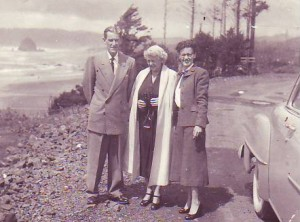 1953 Harry, Margaret, and Shirlee on the Oregon Coast